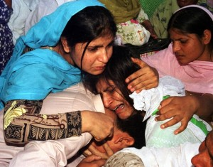 Pakistani Christians mourn victims of an Islamist attack