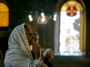 a-coptic-woman-in-prayer