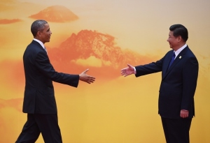 US President Barack Obama is greeted by Chinese President Xi Jinping.