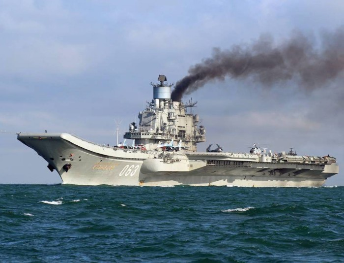 russian-aircraft-carrier-admiral-kuznetsov-in-the-english-channel-21-october-2016